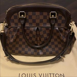 Louis Vuitton Trevi PM Bag 🌹🌹